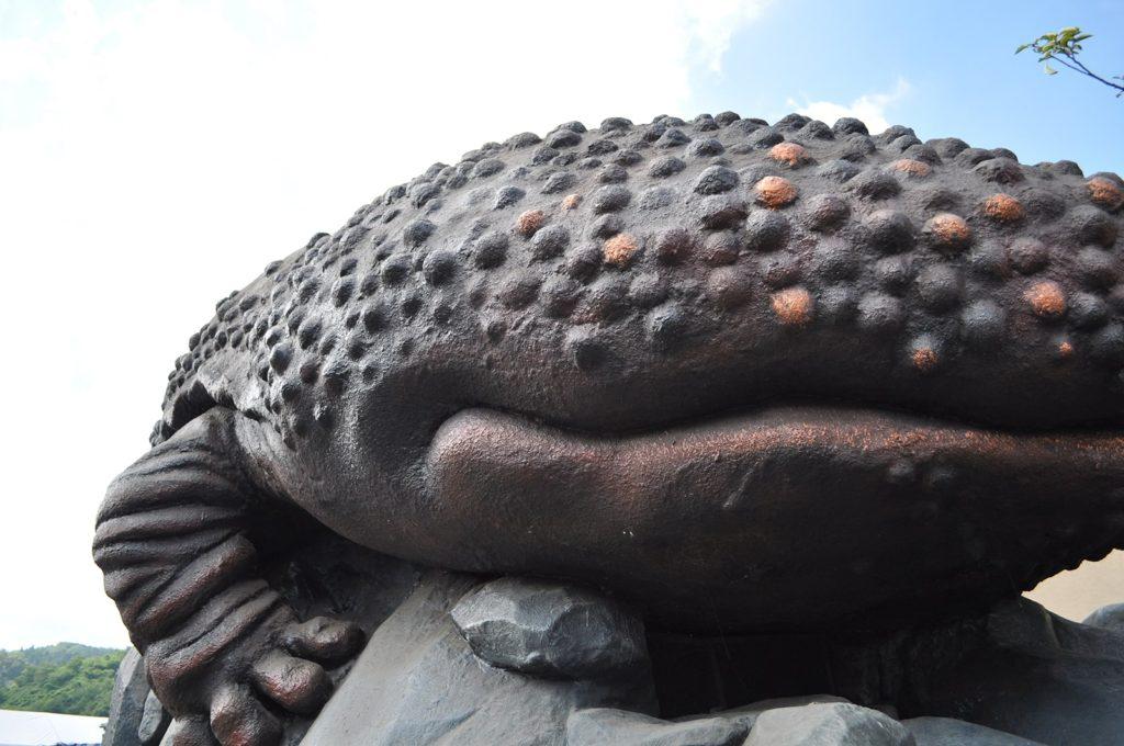 湯原温泉オオサンショウウオの像