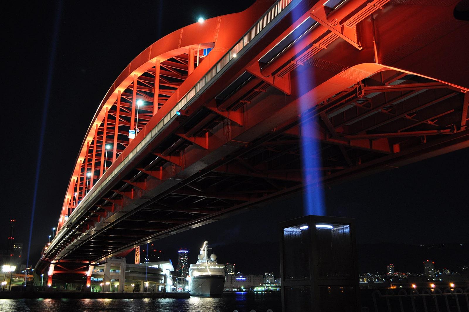 レーザービームと神戸大橋